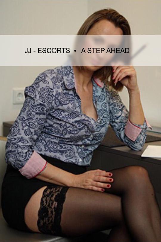 Escortlady-erotic-katja-dresden-buisness-outfit-jj-escorts