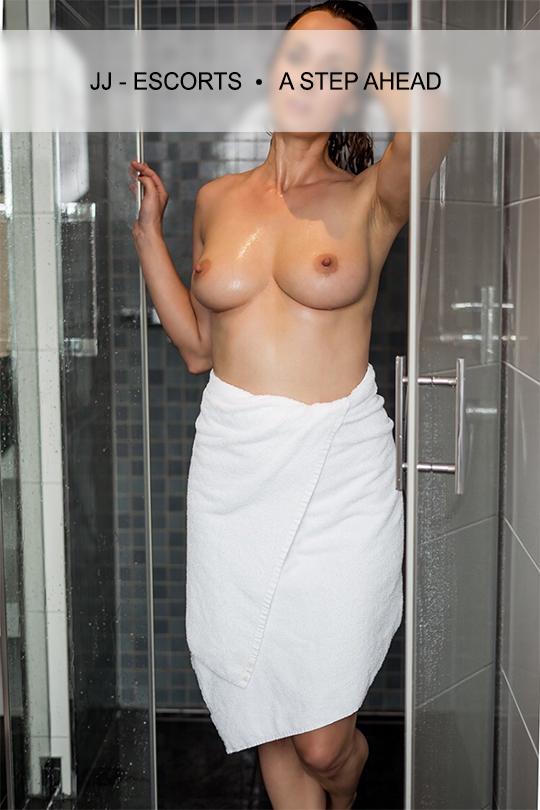 Escortlady-erotic-katja-dresden-dusche-jj-escorts
