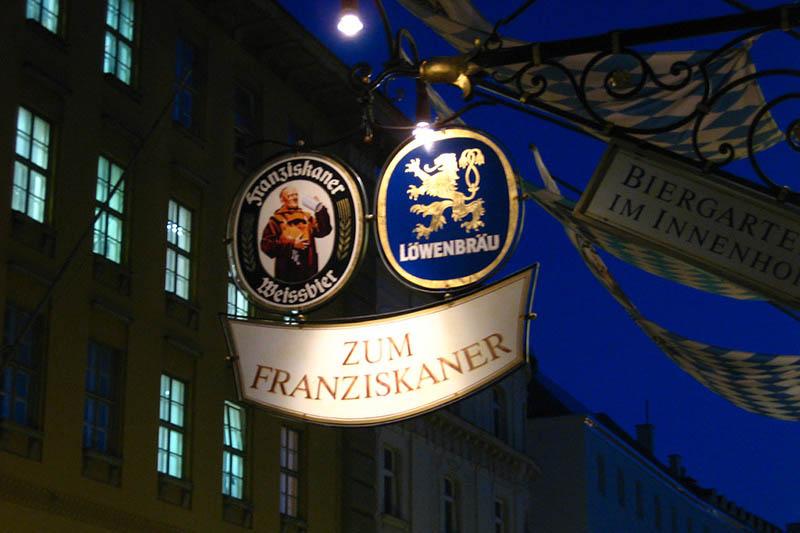 Restaurantempfehlungen München Zum Franziskaner Eingangsschild